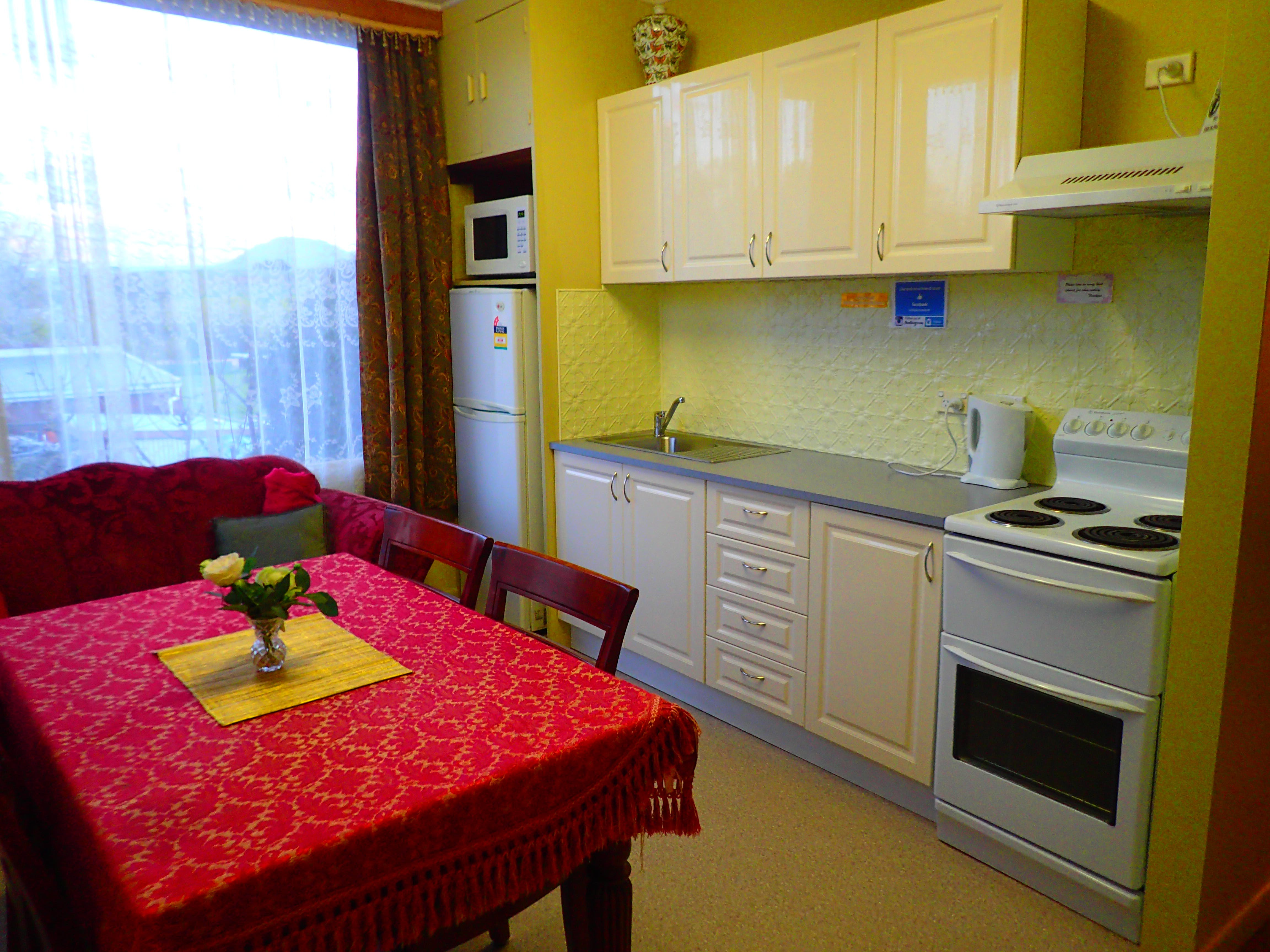 Well equipped Full Kitchen.A great place to stay while at Historic Blakes Manor.