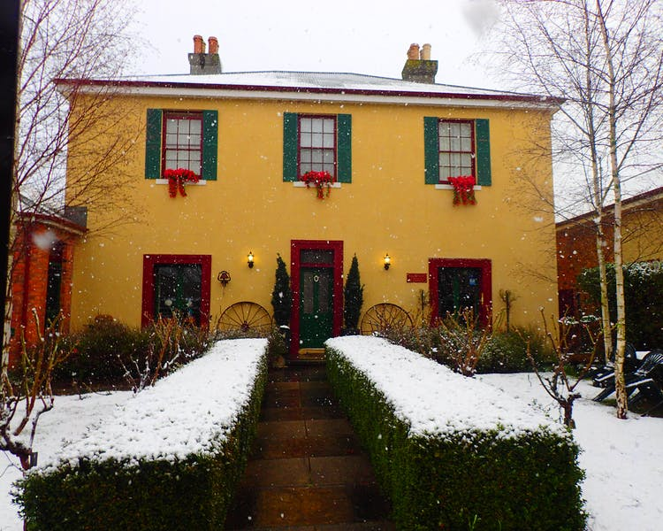 Blakes Manor Heritage Self-contained Accommodation, Tasmania in the snow. So romantic and beautiful.