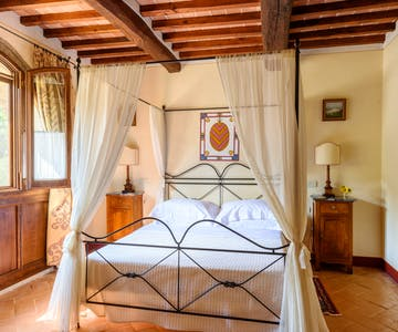 Casa Portagioia Tuscany bed and breakfast , Andreocci suite with double bedroom and sitting room
