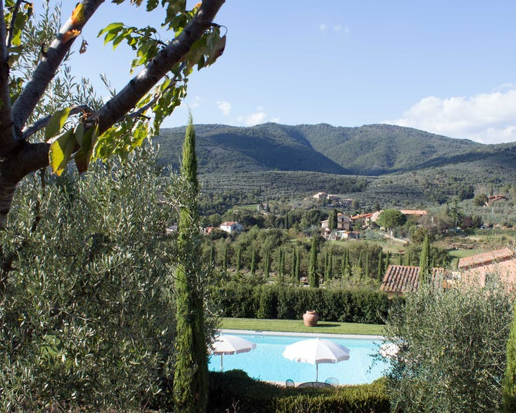 Casa Portagioia Tuscany bed and breakfast , pool views