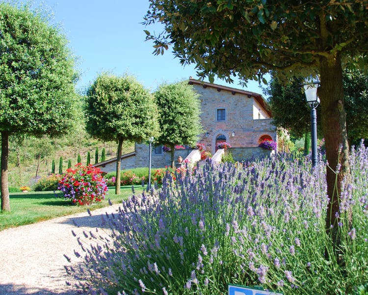 Casa Portagioia Tuscany bed and breakfast , parking area