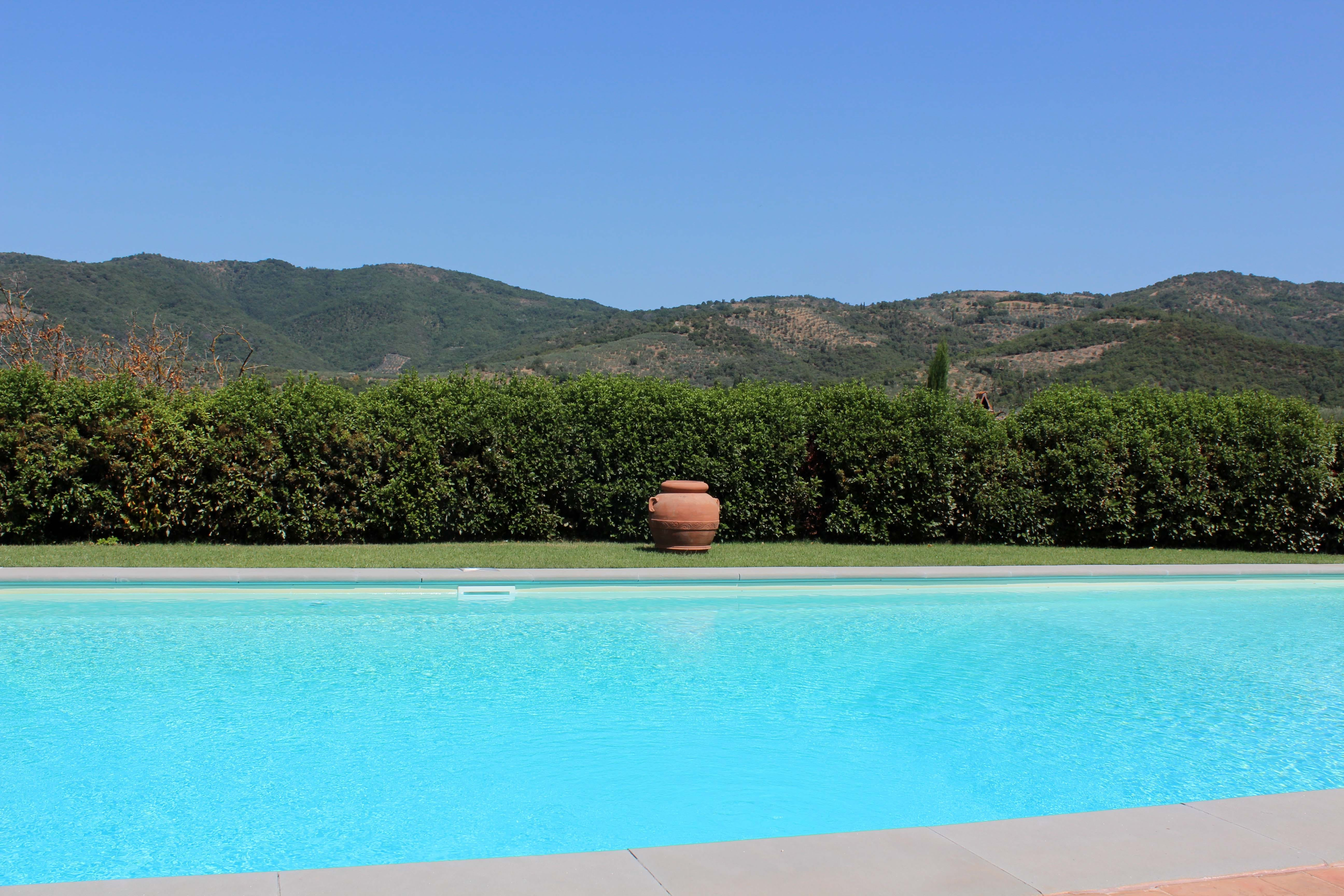Casa Portagioia Tuscany bed and breakfast , pool