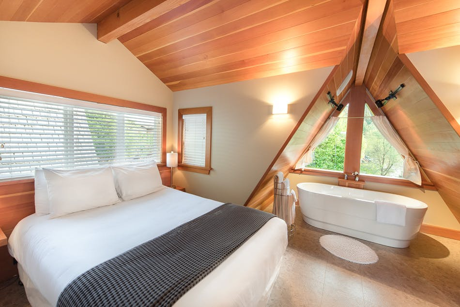 Cabin suite 2 - The Shoreline Tofino boutique hotel