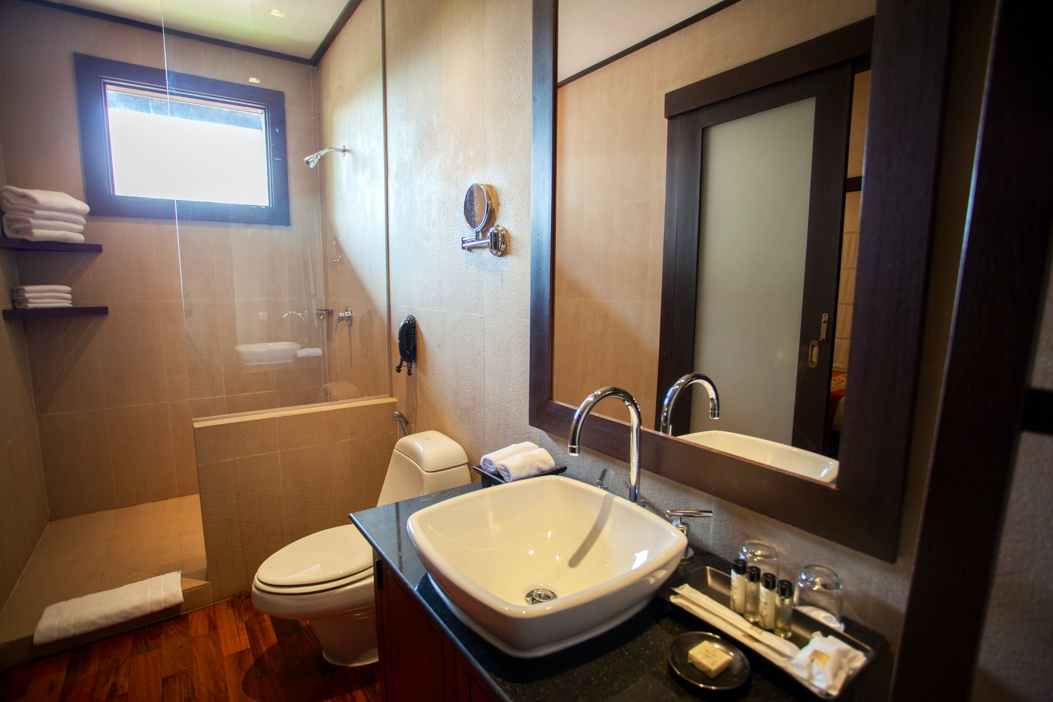 Bathroom executive suite 2