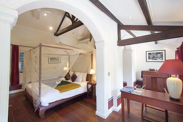 equinox main hotel deluxe. Auto Hotel Deluxe. Deluxe Suite Equinox Main \