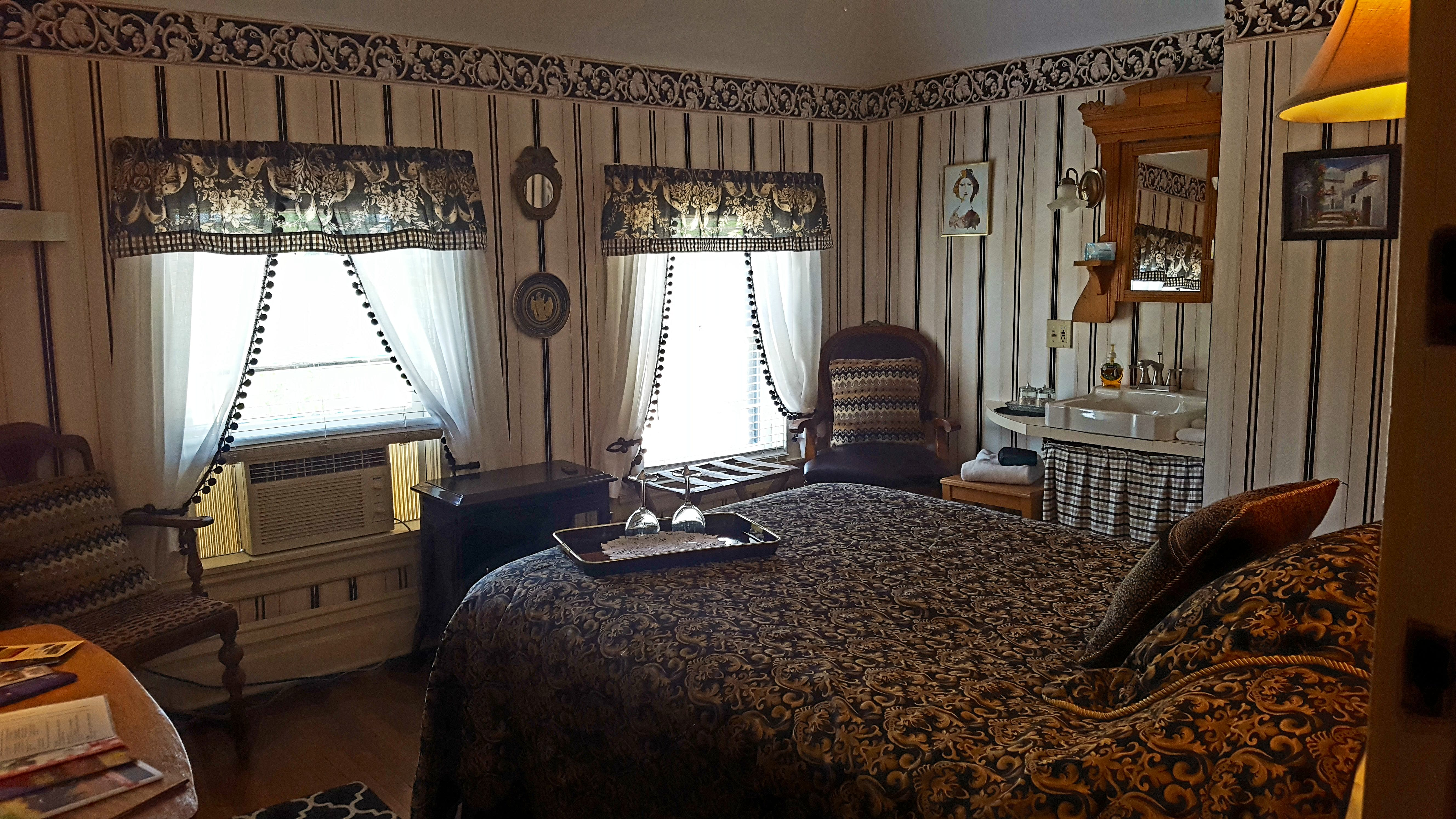 Our Standard Room, also know as The Mediterranean Room is a comfortable room