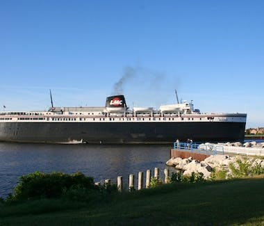SS Badger Carferry - Turning around on the anchor in Ludington Harbor