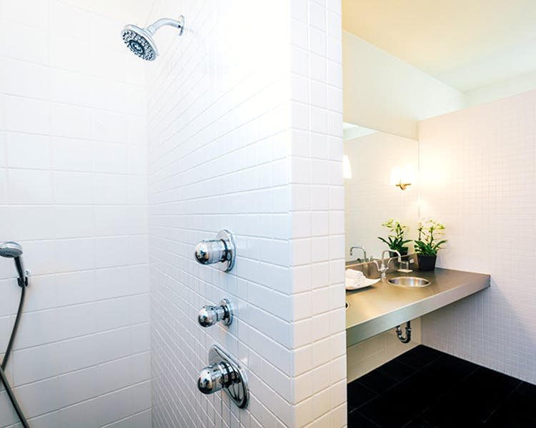 The Duchamp Healdsburg features the largest bathrooms/shower in the Wine Country.