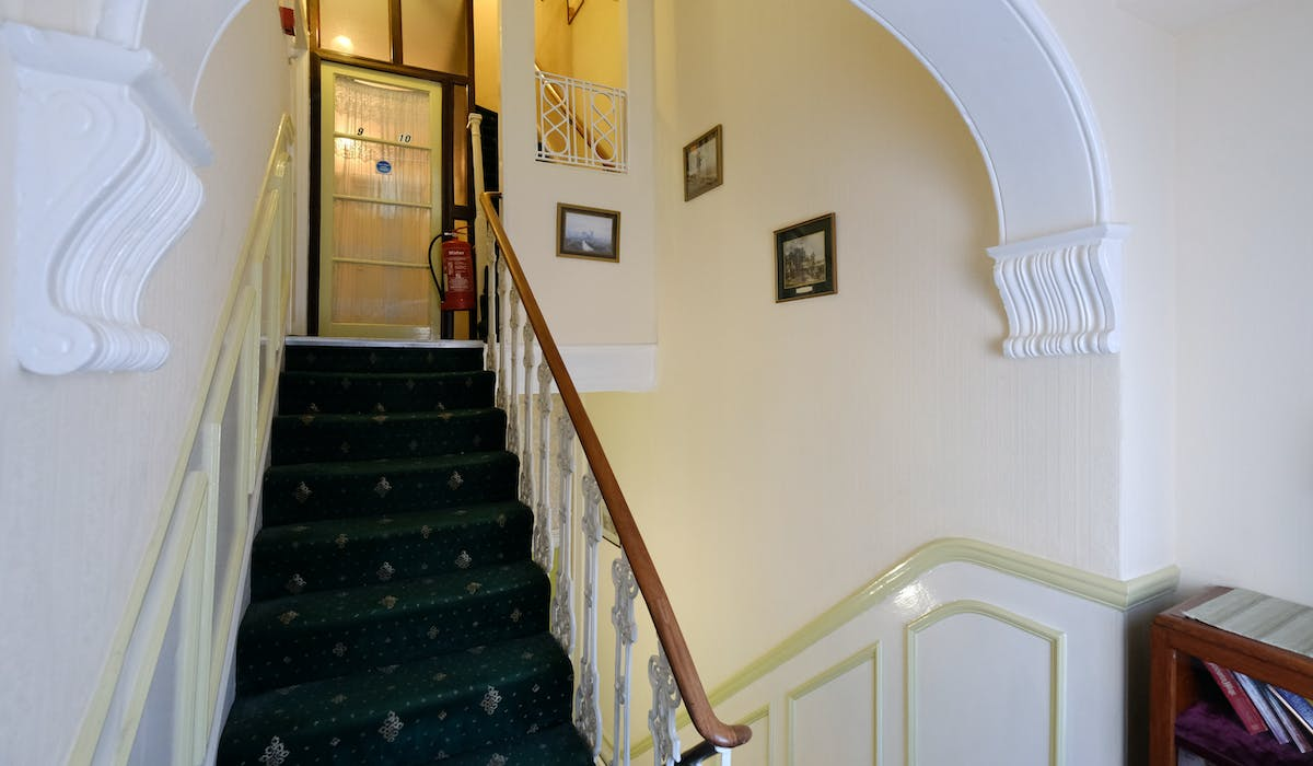 The 2nd floor landing. Fairways Hotel, Paddington Cheap rooms, London
