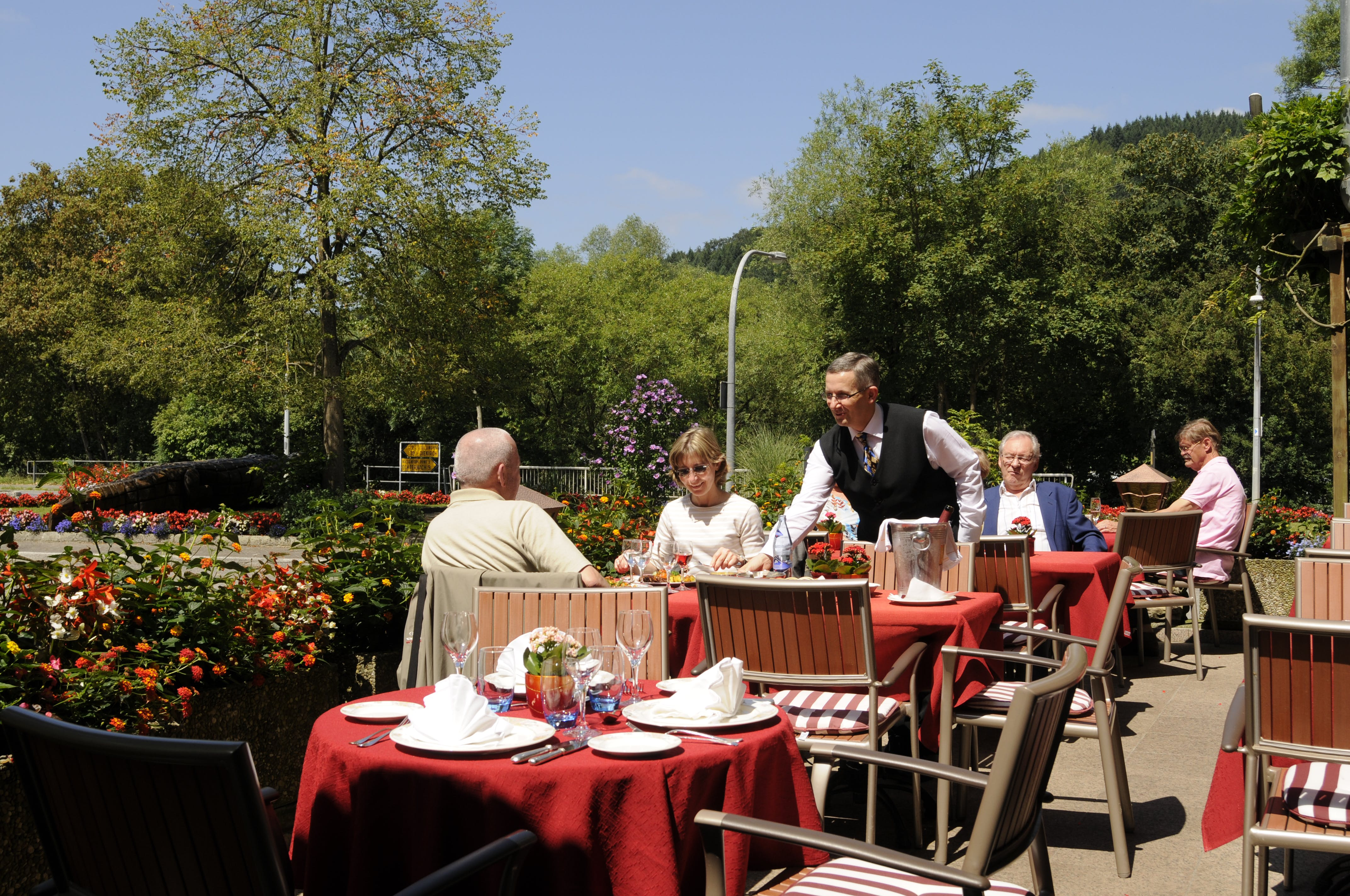 Service on the terrace - Hotel-Restaurant Brimer
