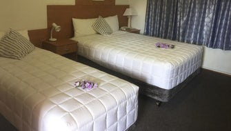 Double or Twin Room (1 Queen, 1 Single)