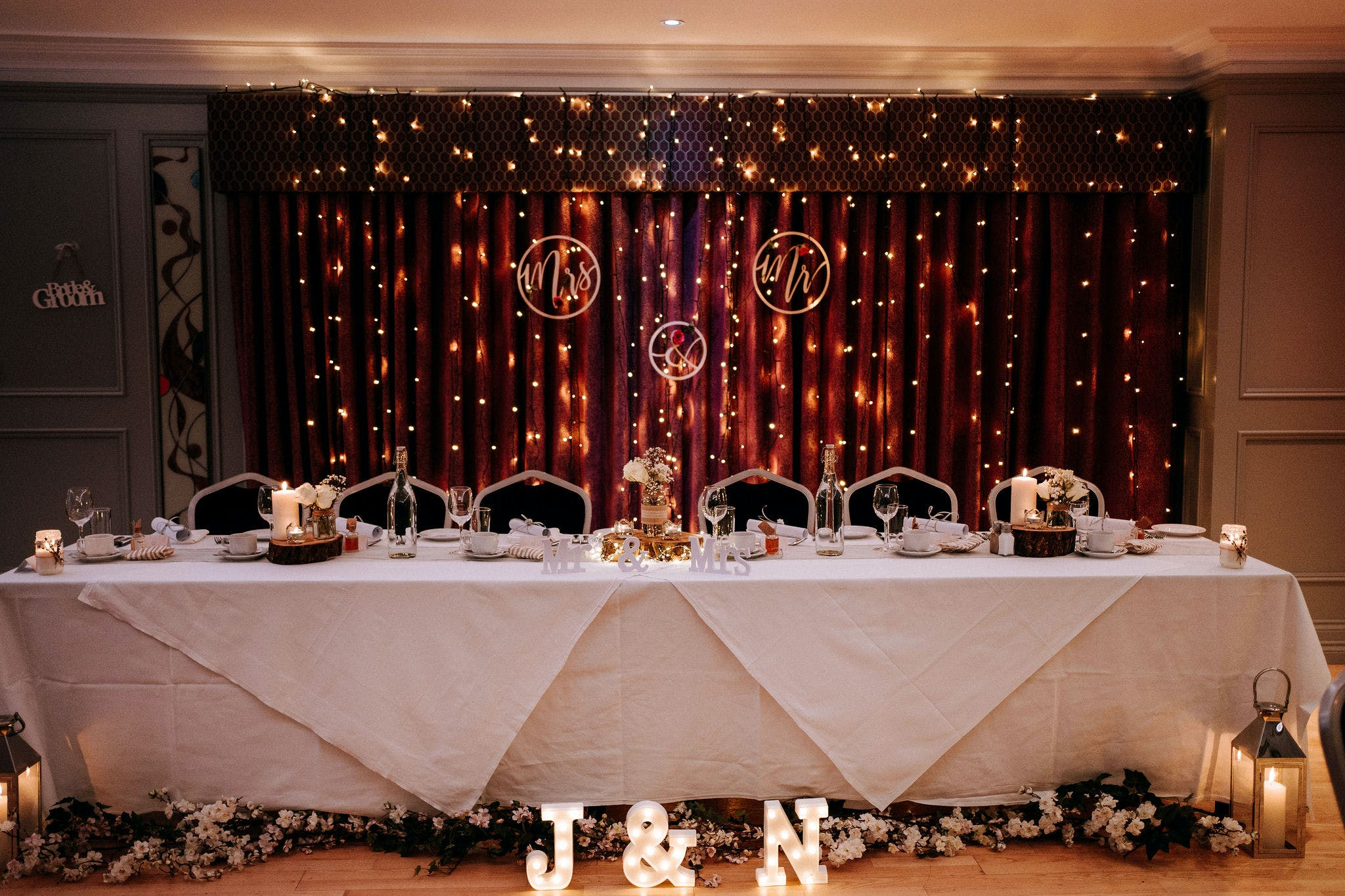 A stunning top table set up in The Forde Room at Riverside Hotel.