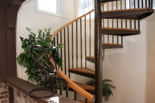 Maple Entrance Stairs