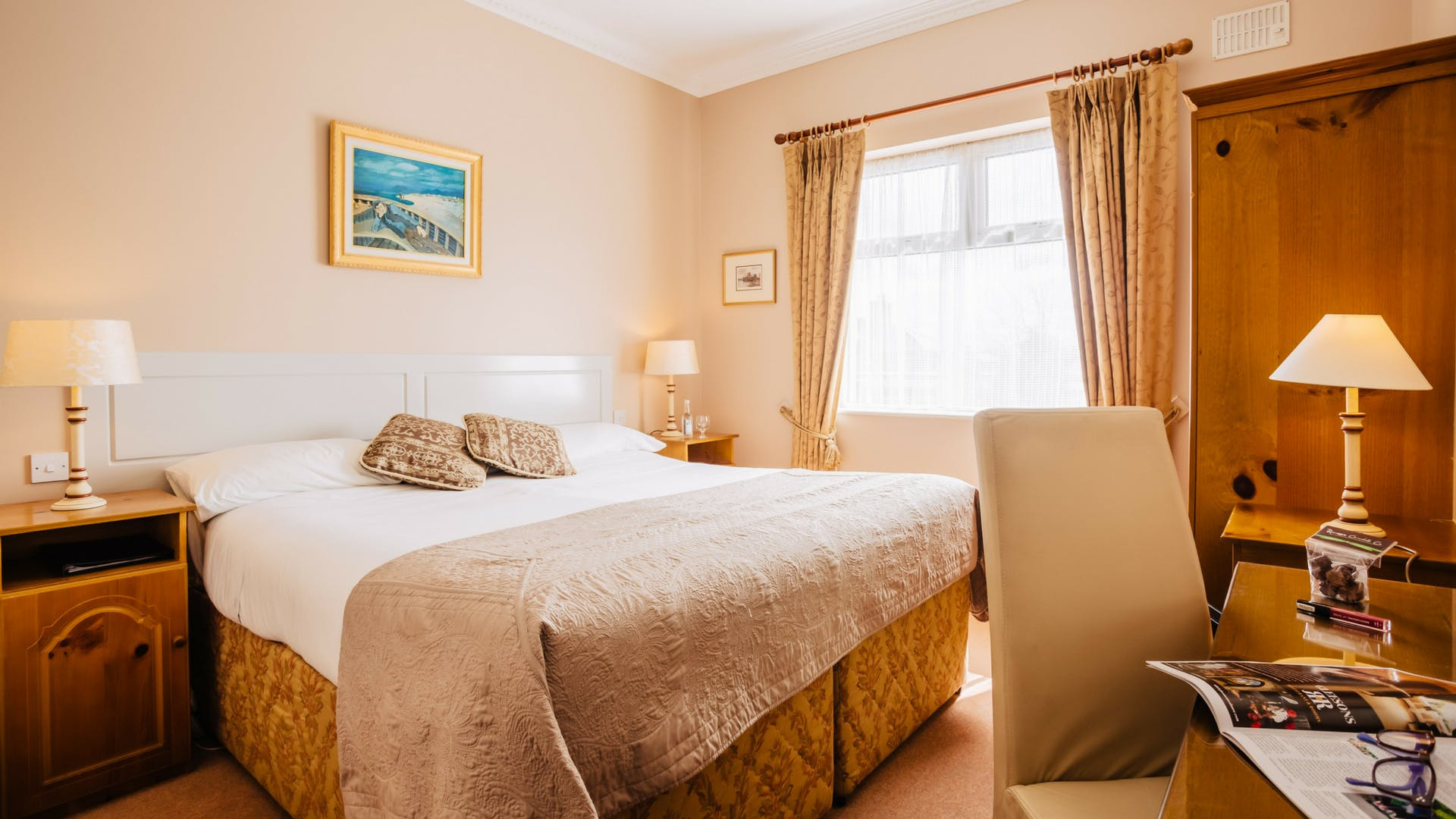 Stay in double room at Gleesons Restaurant & Rooms, Roscommon