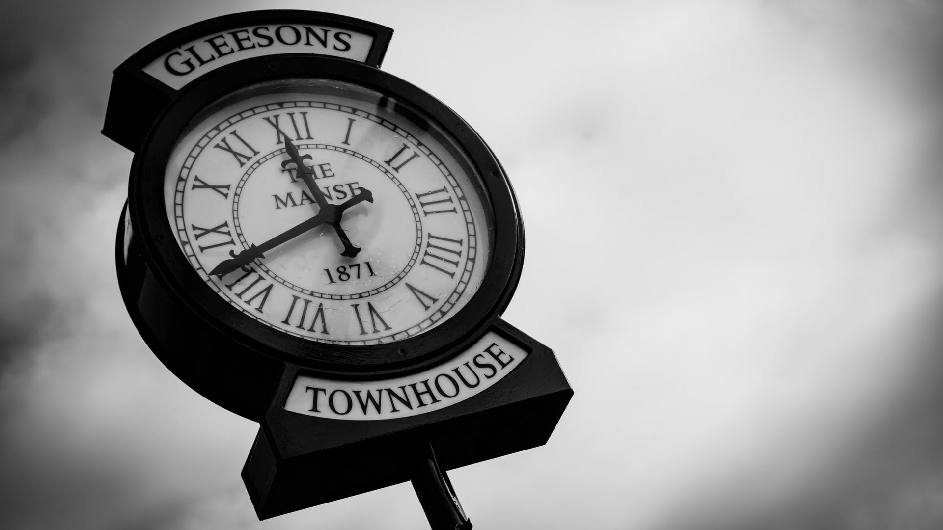 The iconic Manse clock outside Gleesons Restaurant & Rooms, Roscommon