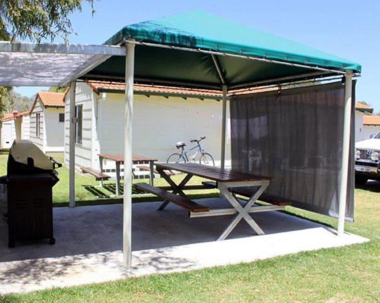 Two Bedroom Group Chalet Havana Villas Albany WA