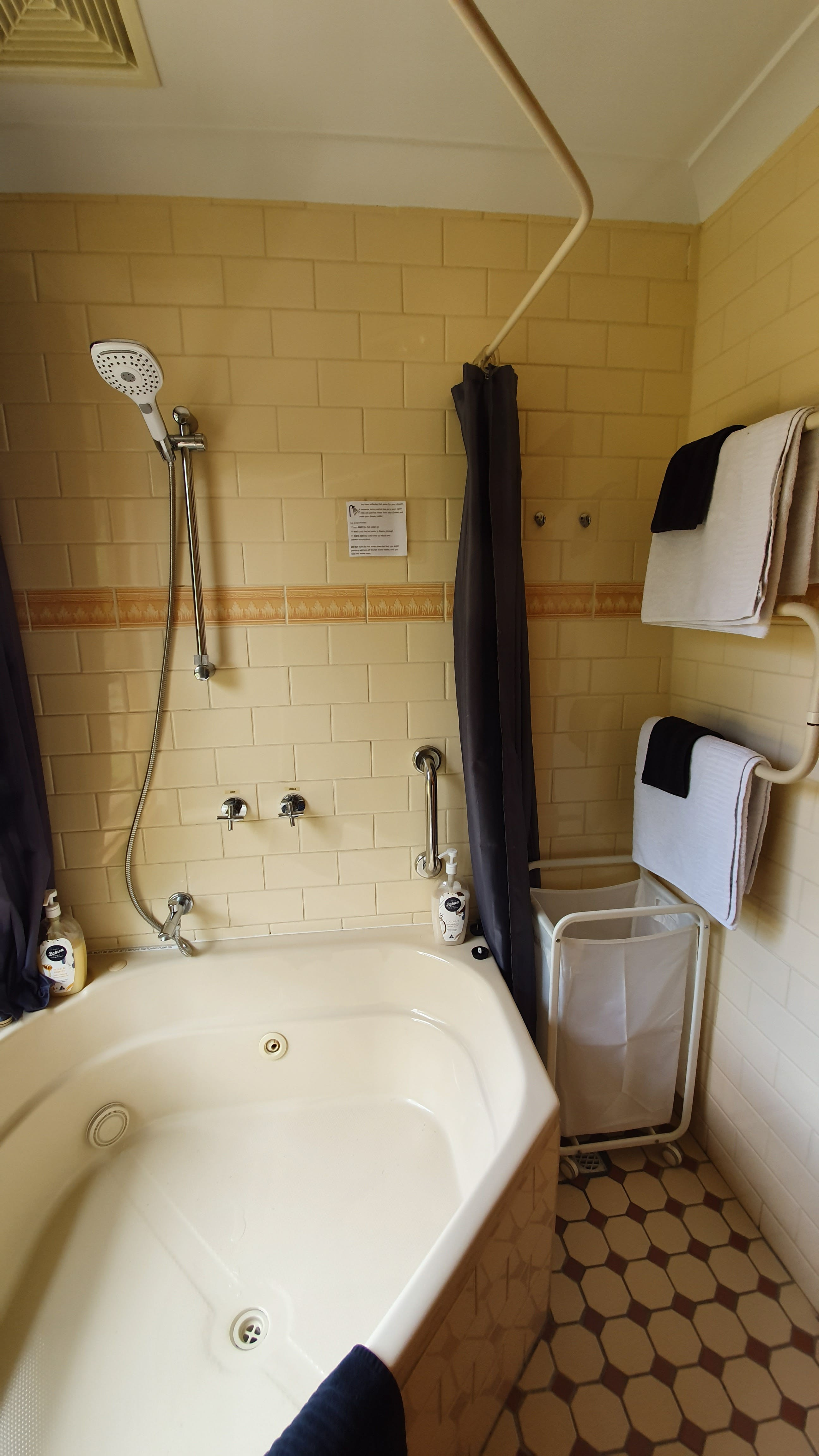 Amble Wren Spa Cottage Spa bathroom with heated towel rails.