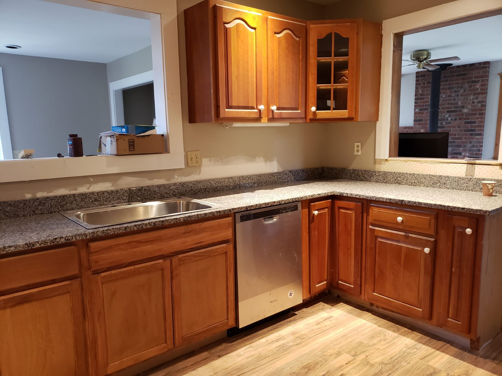 Image of a fully renovated kitchen.
