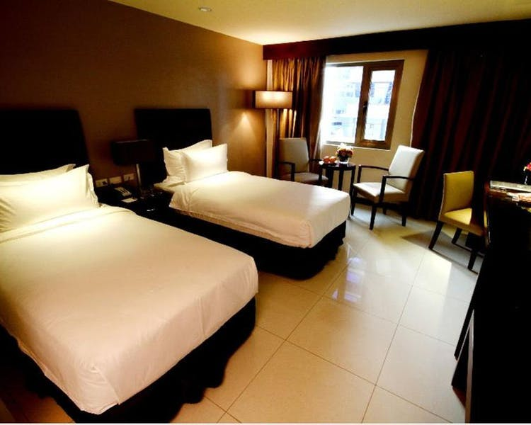 Home mandarin plaza hotel - Mandarin hotel cebu swimming pool ...