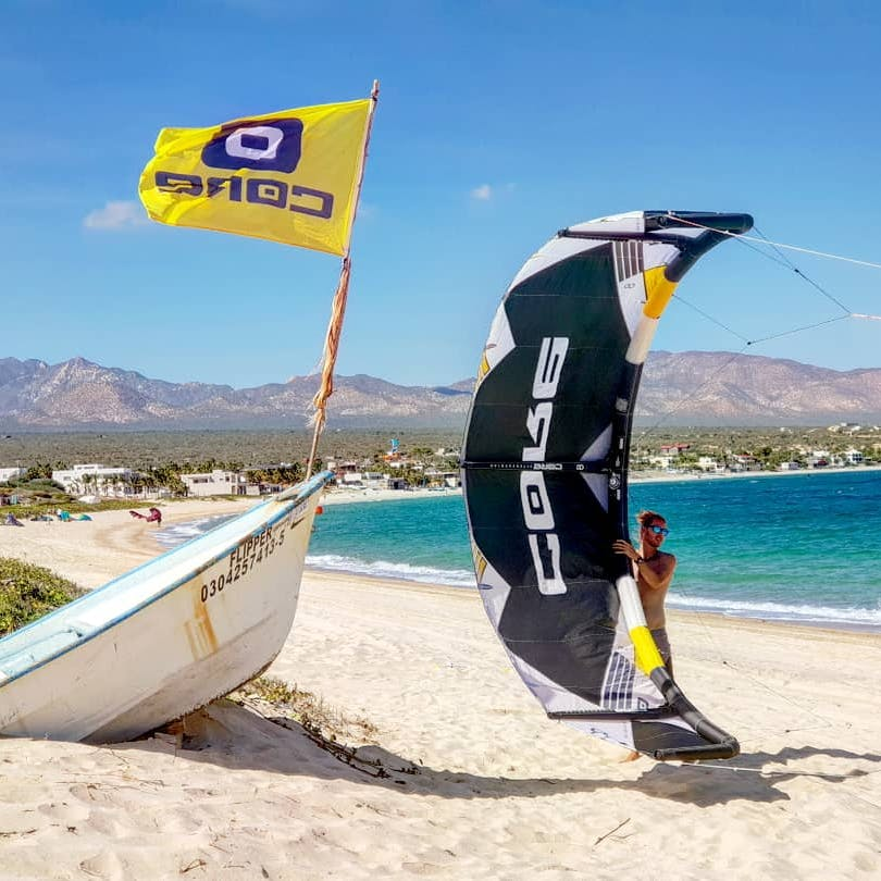 During our kitesurfing lessosns we teach with Core kites.
