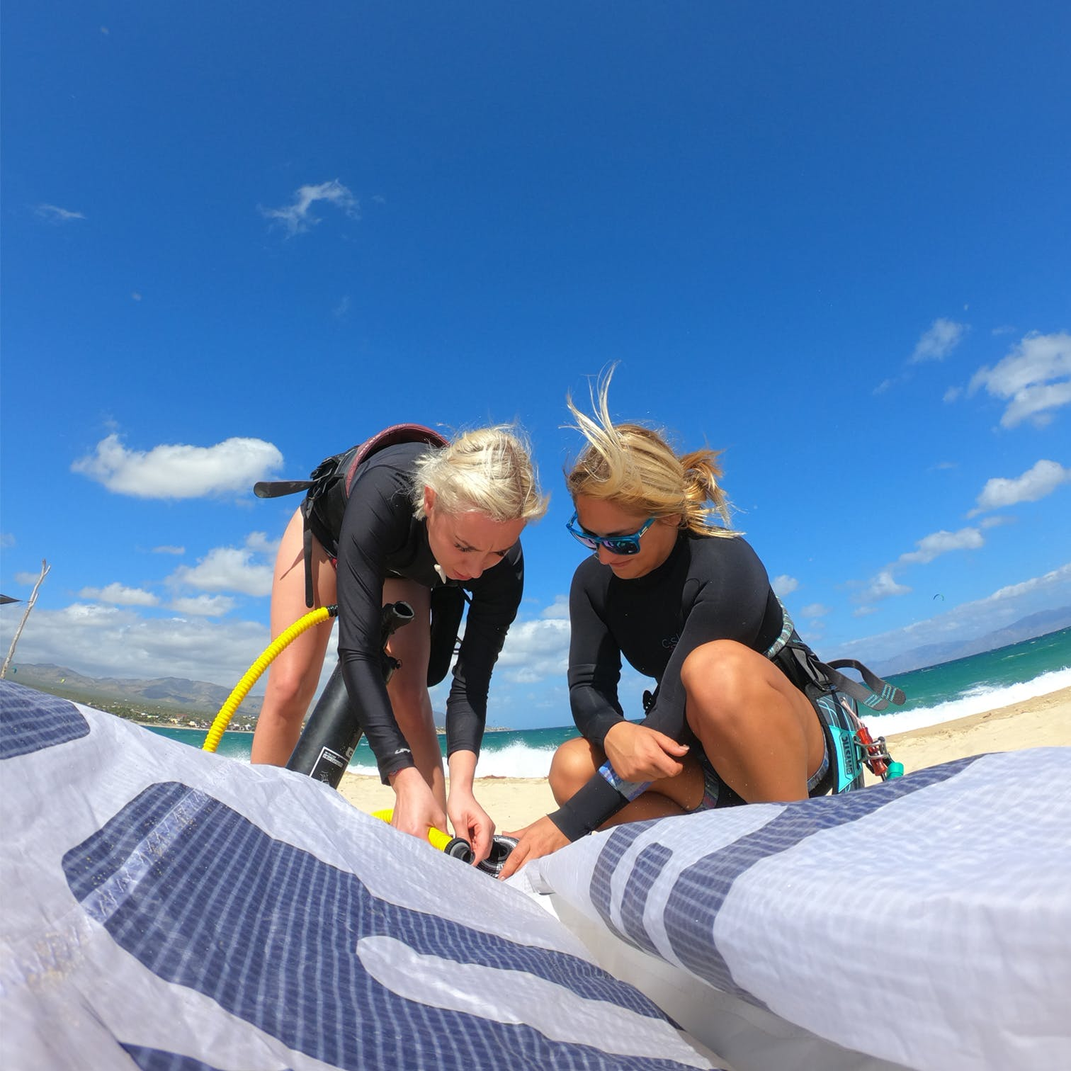 Our instructor will shoe you how to fall in love ith kitesurf in La ventana