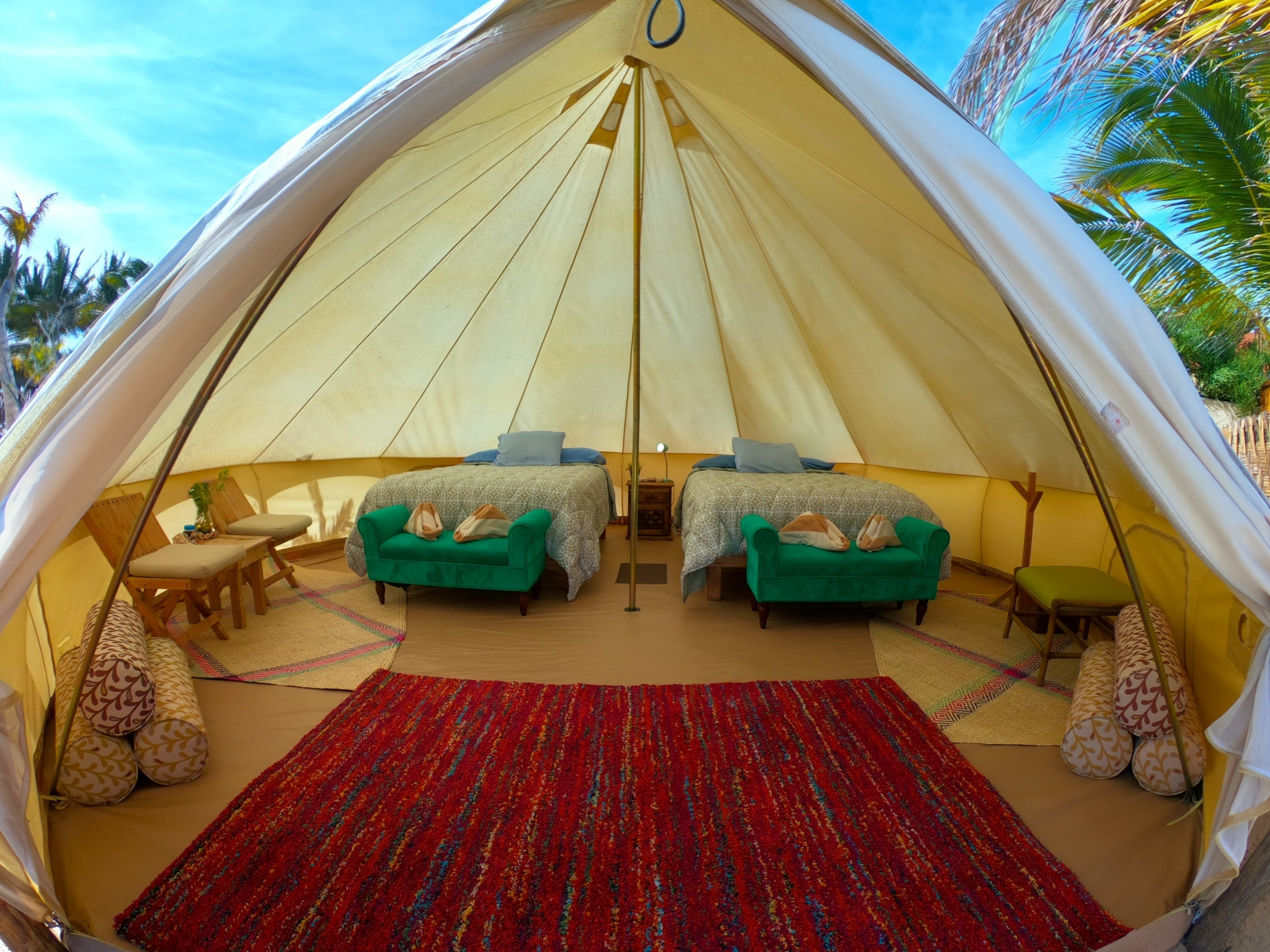 4 people room in Glamping Baja in La Ventana in a south beach.