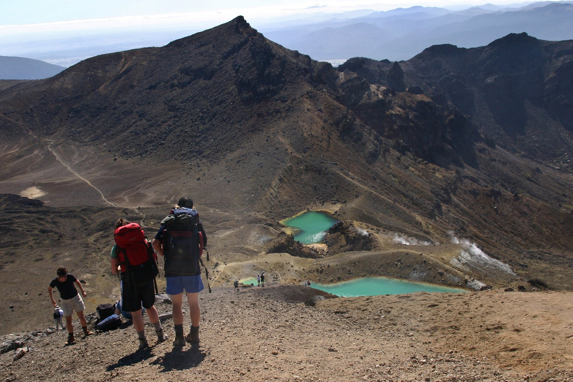 walk the tongariro crossing from the lodge