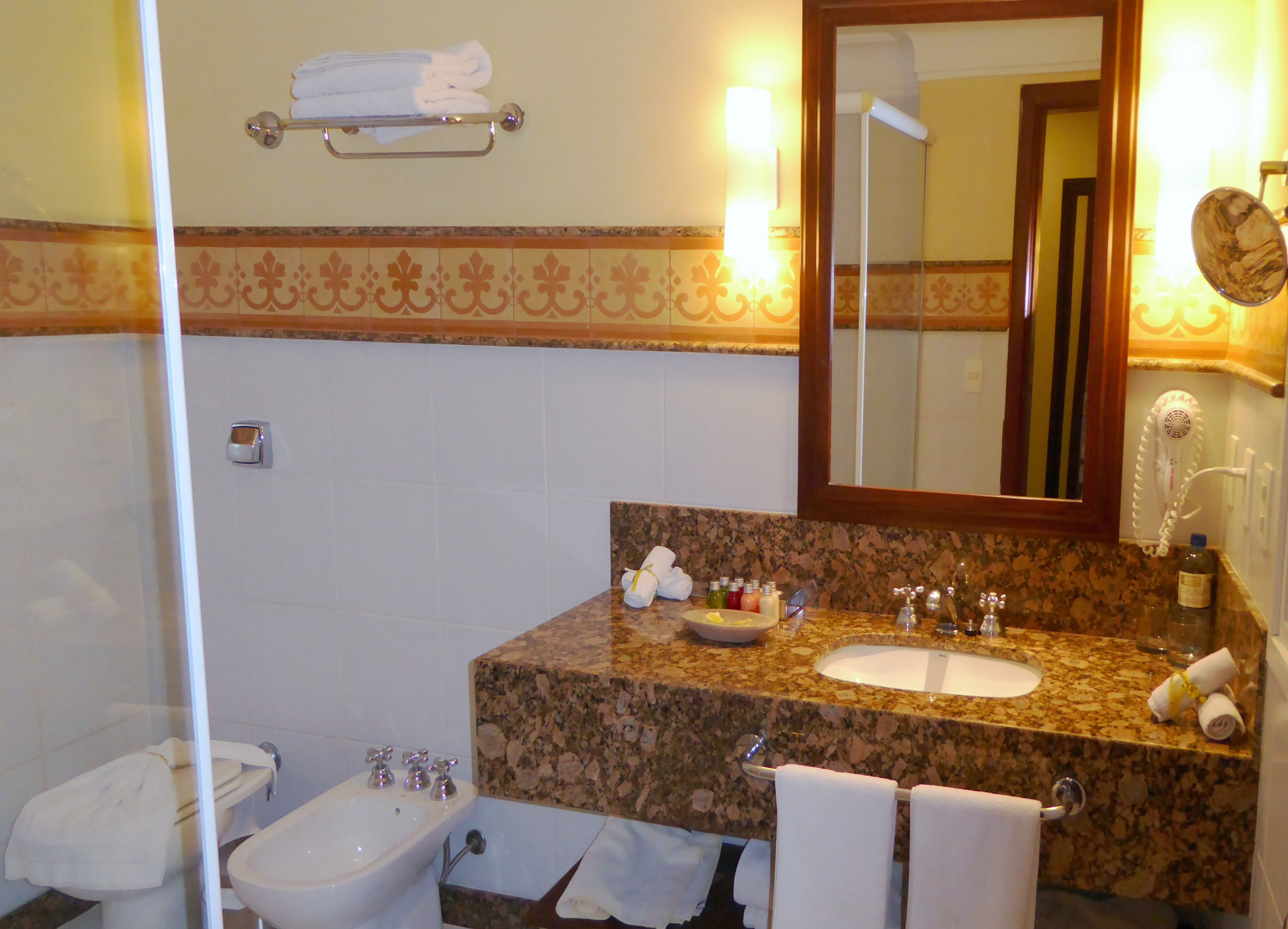 Hotel Casa Amarelindo Standard Room bathroom Shower