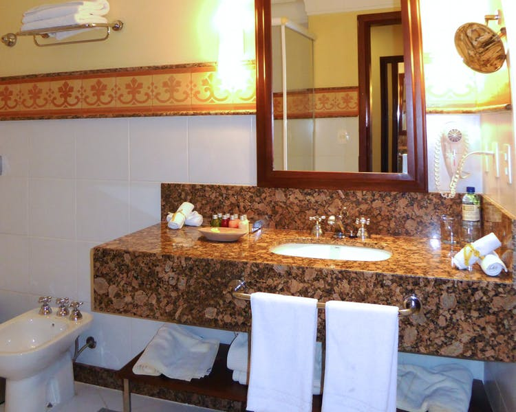 Hotel Casa Amarelindo Standard Room bathroom Sink