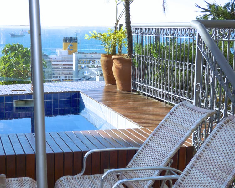 Hotel Casa do Amarelindo swimming-pool sun deck view