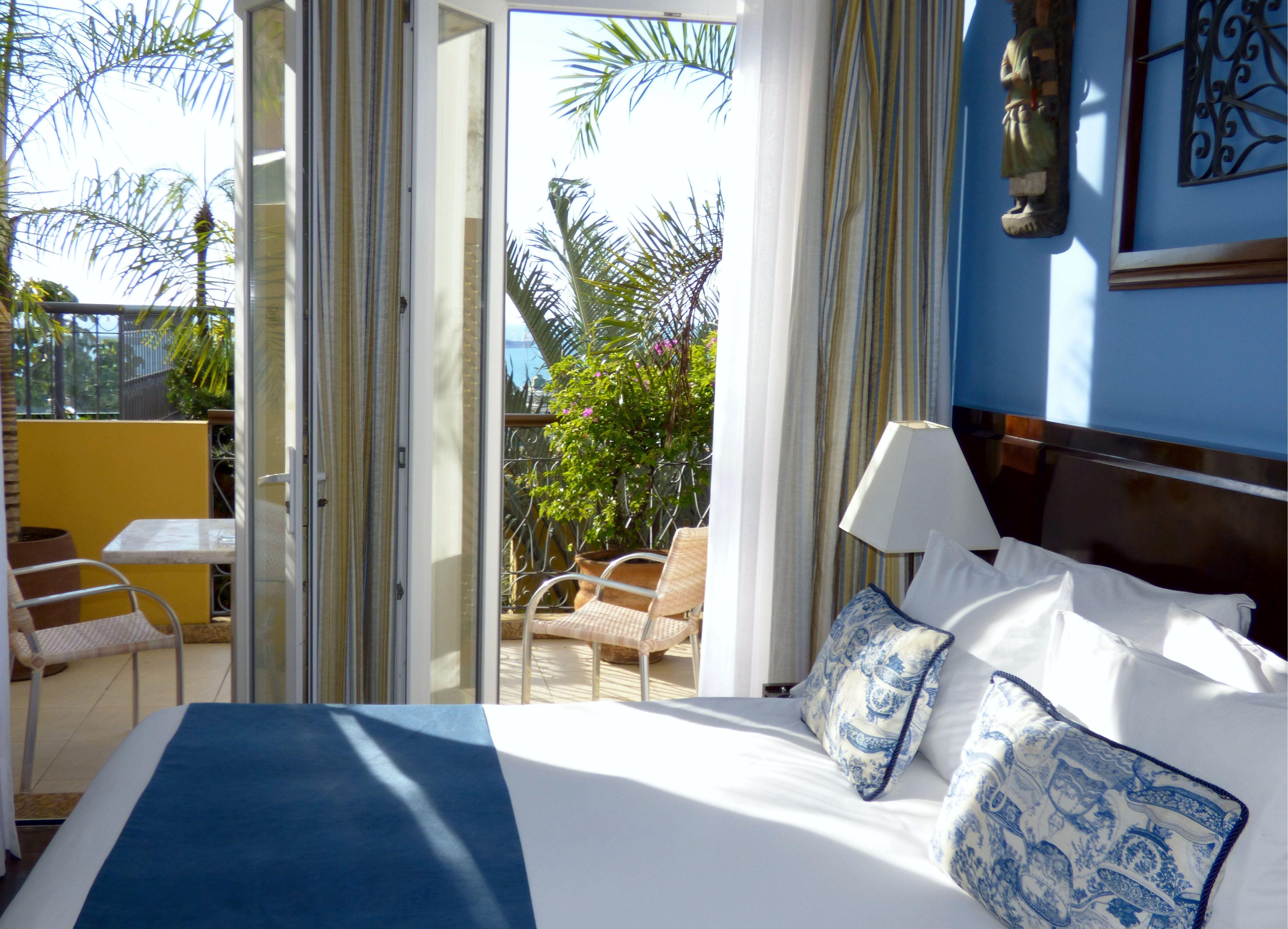 Hotel Casa Amarelindo DeLuxe Room Bed Detail Varanda