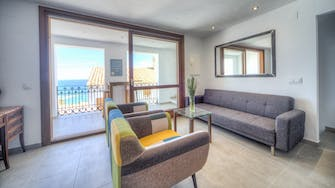 mimar urban altea remedi livingroom and terrace