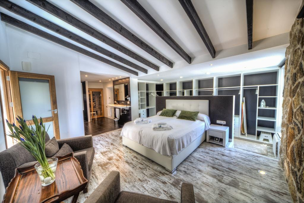 mimar villa altea master bedroom