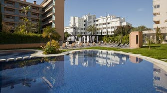 boulevard apartamentos by mimar pool outside