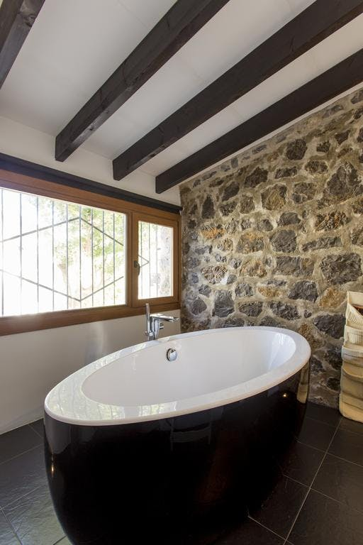 mimar villa altea master bedrrom en suite bathroom