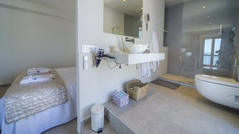 mimar urban altea sol bathroom penthouse suite