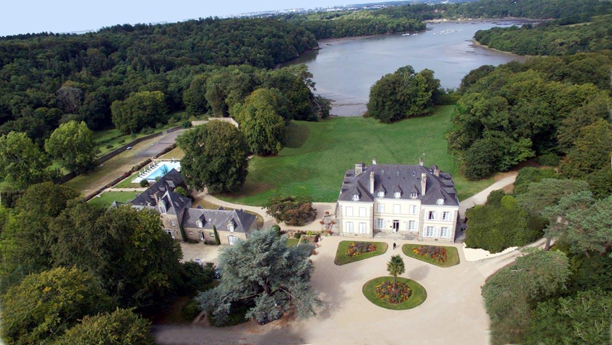 Home Chateau De Locguenole