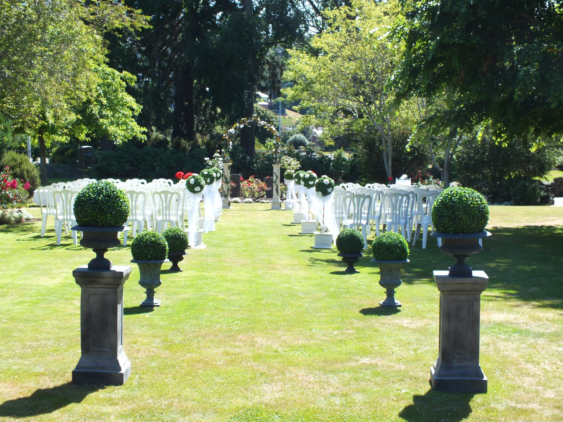 Dunedin Leisure Lodge Garden Wedding Venue