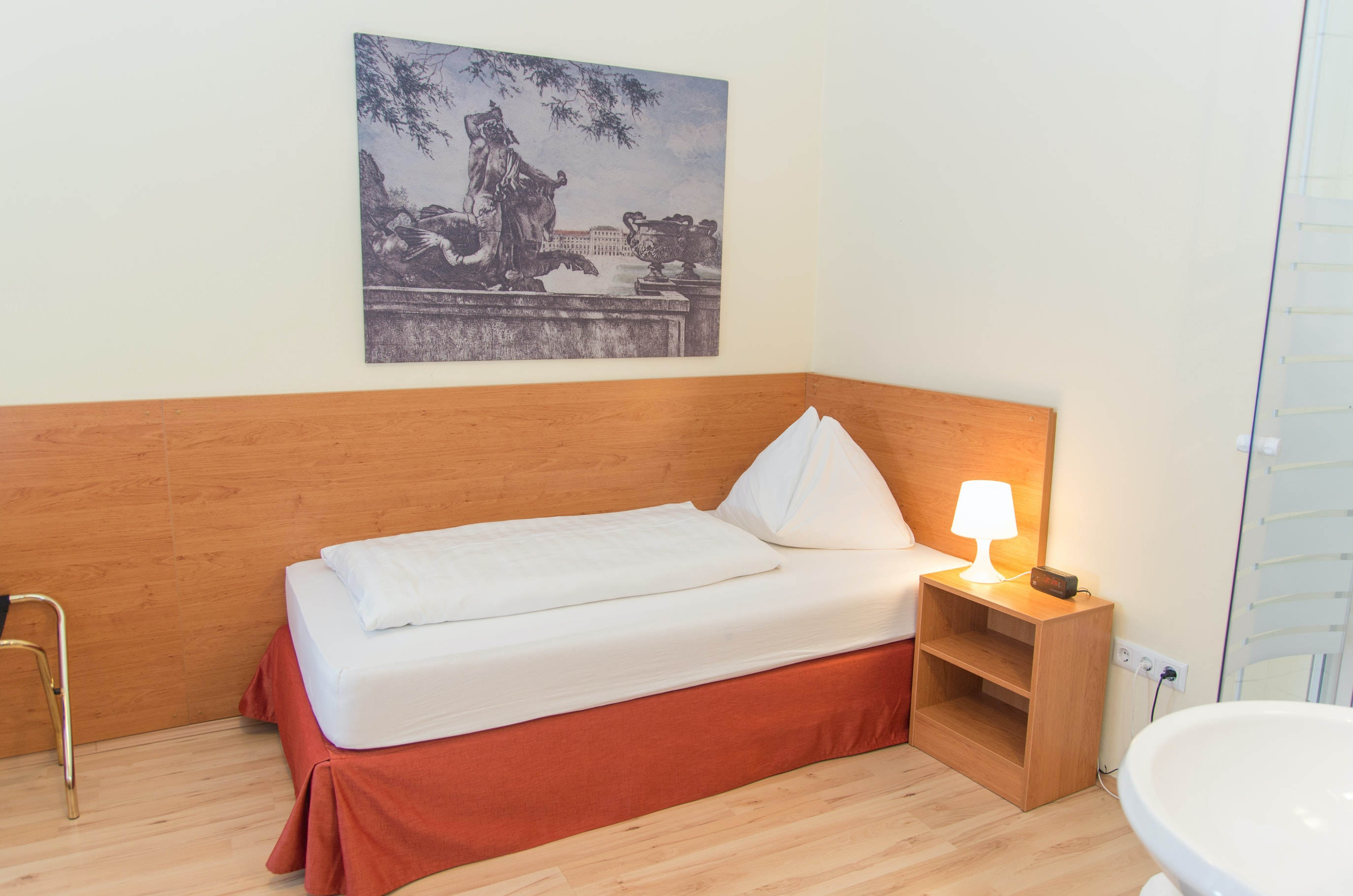 Single Room With Private Bathroom Hotel Pension Lehrerhaus
