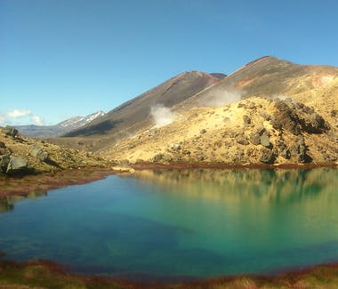 The stunning Blue Lake in Summer on the Tongariro Alpine Crossing, with Adventure Outdoors.