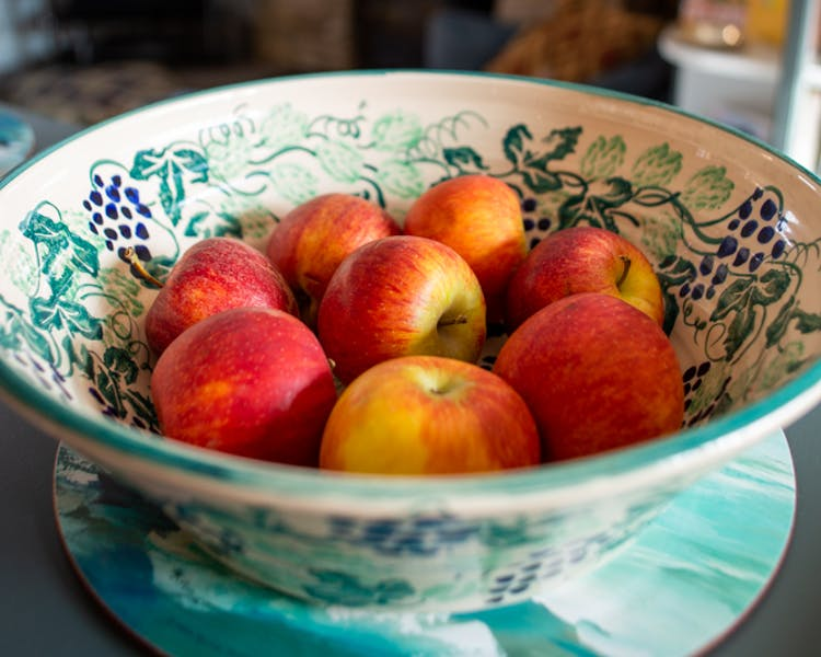 Bowl of fruit in the Old Schoolhouse Bed and Breakfast in Haltwhistle, Northumberland