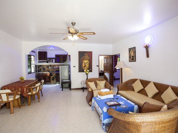 Grand Deluxe Suite Livingroom,Kitchen. Ground Floor only with Pool access