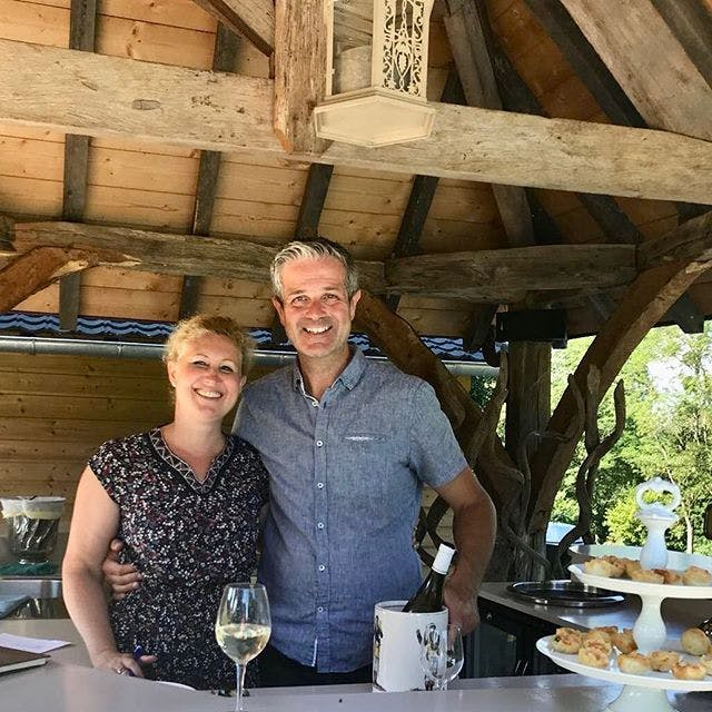 Alexander and Caroline Siera at the poolbar in Chateau Valcreuse
