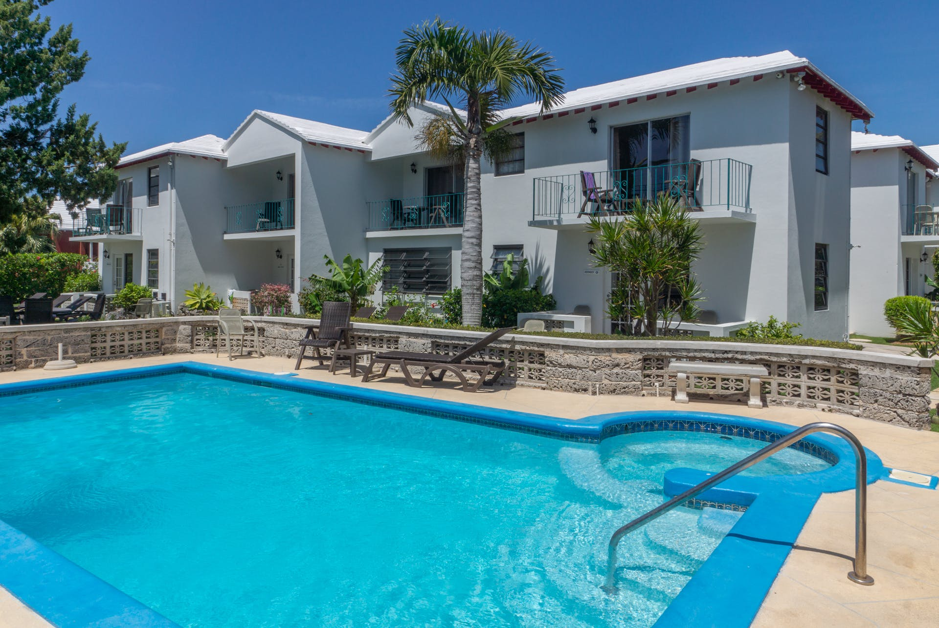 The Sandpiper Apartments on South Shore Road, Warwick, Bermuda 1