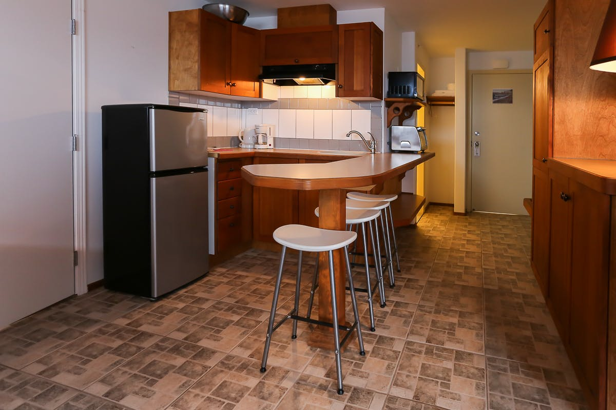Room 214- Deluxe King Room- $158.00 This room does not have ...