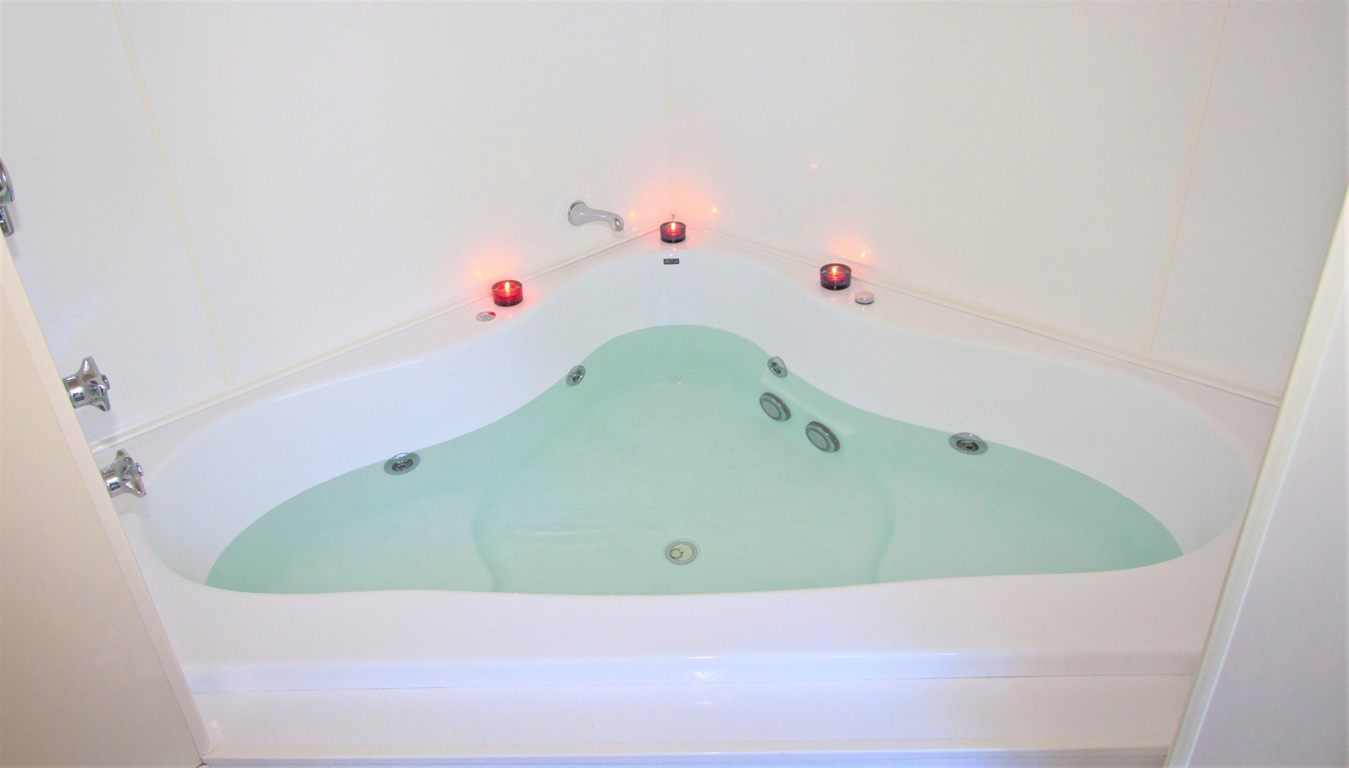 Studio Executive Apartment with Spa Bath | Arcadia Motel