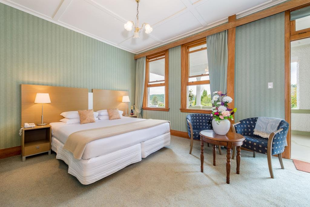 Deluxe King Room | Waitomo Caves Hotel