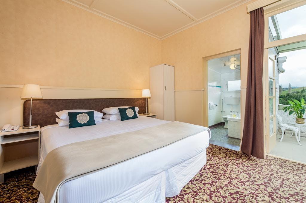 Deluxe King Room | Waitomo Caves Hotel