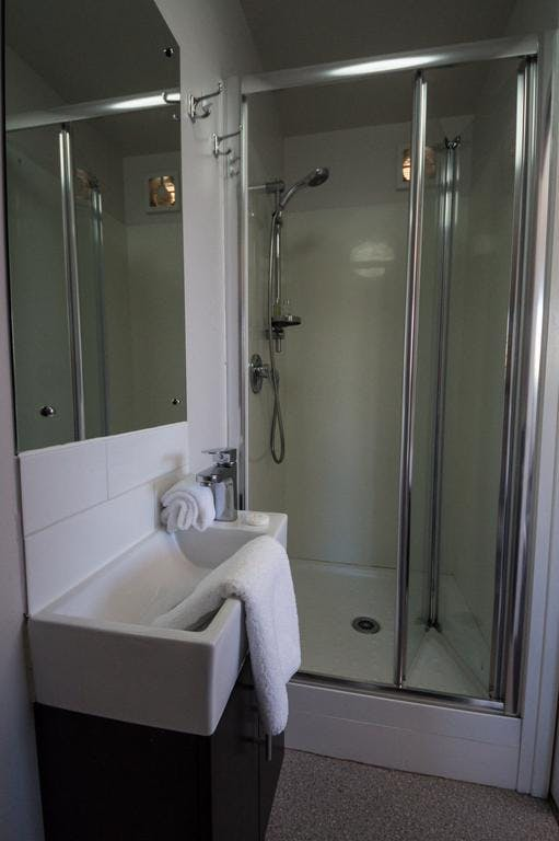 Shower in unit 4