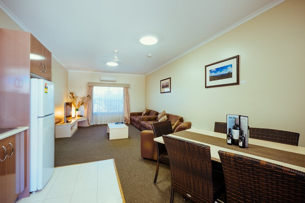 Narrabri spa suite